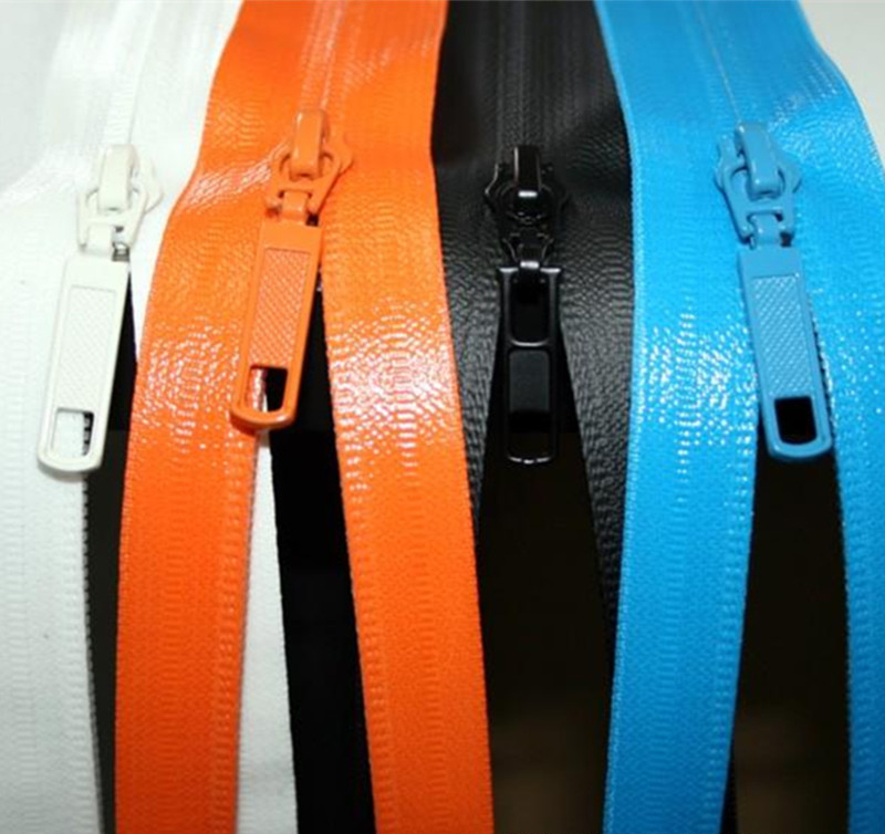 Plastic waterproof zipper 1.jpg