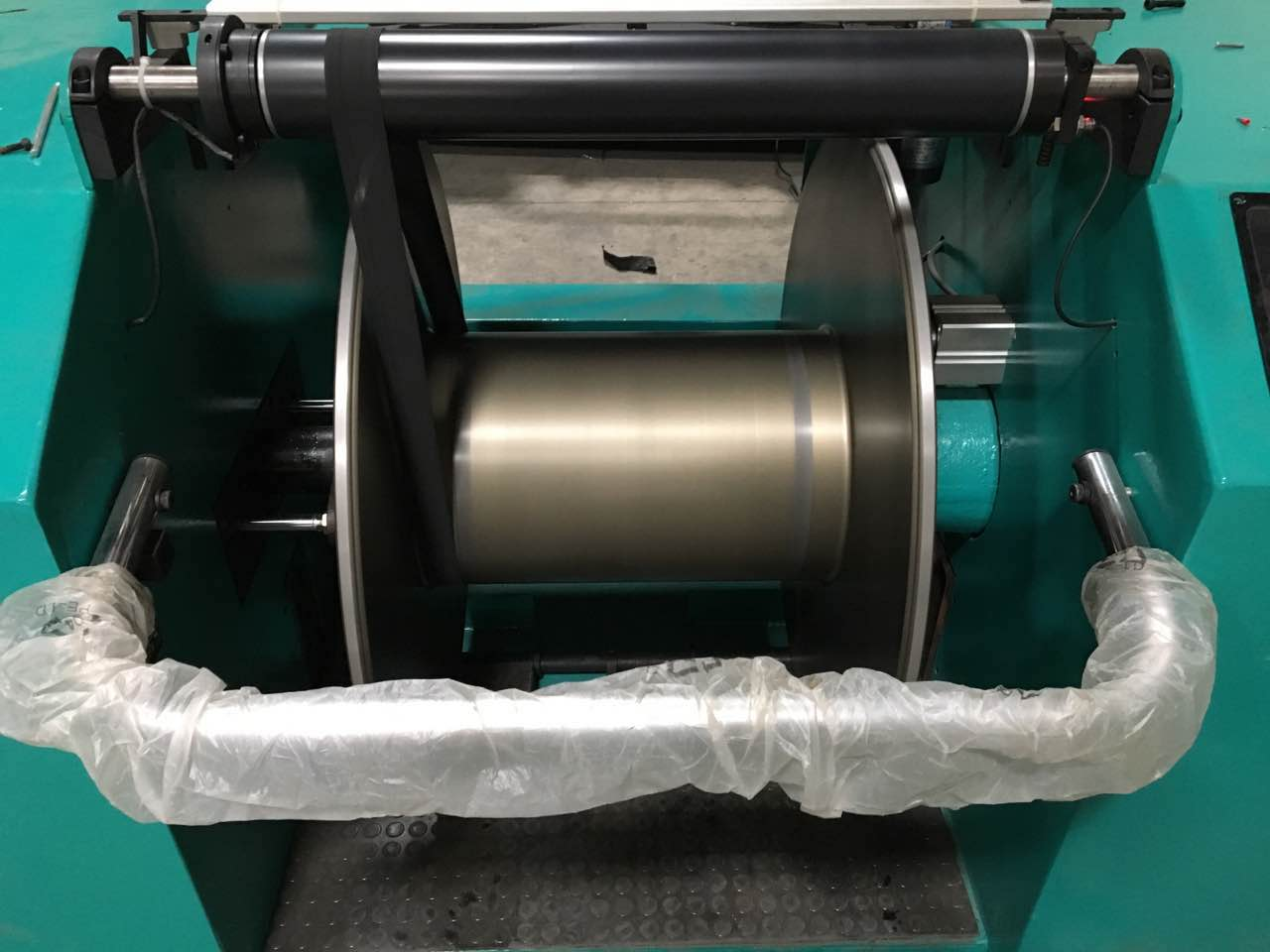 HY-VT001 Warping machine for tape yarn(700 creels)-3.jpg